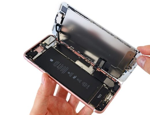REPARING A DAMAGED SCREEN OF AN iPHONE